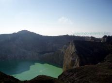 tiwu-nuwa-muri-koo-fai-lake and tiwu-ata-polo-lake - kelimutu crater