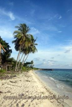 Pantai Lemo-lemo yang sepi