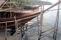 phinisi boat at panrang luhu beach