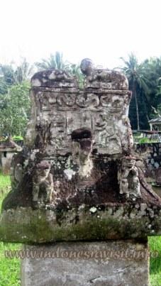 stone tomb cupola
