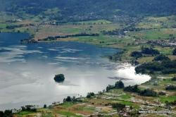 danau maninjau, kecamatan Tanjung Raya, Kabupaten Agam, provinsi Sumatera Barat