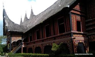 Museum Rumah Adat Baanjuang