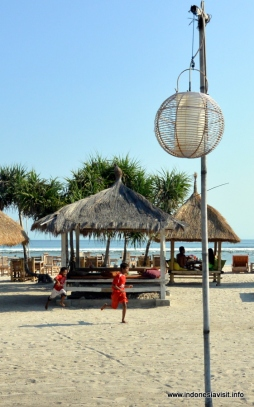 sunset beach Gili T