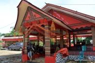 Semi permanent tongkonan at Rambu Solok Ceremony, Talung Lipu, 2014-Dec